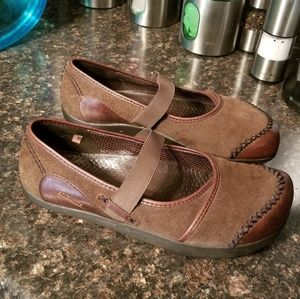 Earth caribou suede mary Jane flats 8.5